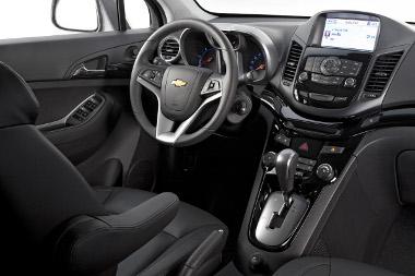 Belül ismerős Chevrolet és Opel elemeket találunk mindenütt, a dél-koreai gyártás meglátszik a jó összeszerelési minőségen