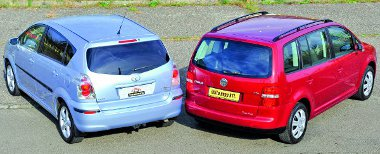 A Touran minden méretdimenziójában testesebb a Corolla Versónál