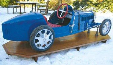 A hatvanas években átalakították az eredeti Bugatti gyerekautót, ezért csak annyi pénzt remélnek érte, mint a használt példányért