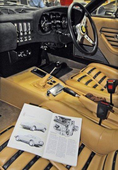 """Minden idők egyik legszebb és legnagyszerűbb autója a Ferrari 365 GTB4 """"Daytona"""" (1968). Esetleg szükséges helyreállítását pontos műleírás alapján végzik el"""