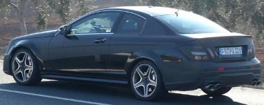 Egyértelműen az M3-as BMW-t akarják legyőzni, vagy legalábbis utolérni az új autóval