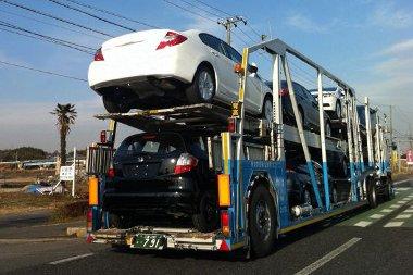 Még be se mutatták, de már kamionszámra hordják az autókat Japánban