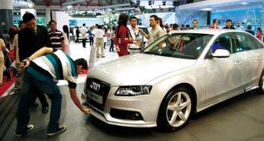 Az Audi Indonéziában évi 2700, a Chevrolet Oroszországban évi 30 000 autó gyártását tervezi
