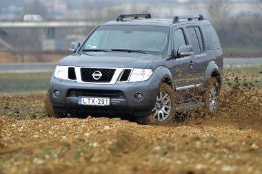 2011. március végéig 1 500 000 forintos kedvezménnyel vásárolható meg a Pathfinder