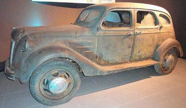 A Louwman Gyűjtemény kiállításán tekinthető meg a legöregebb Toyota személyautó