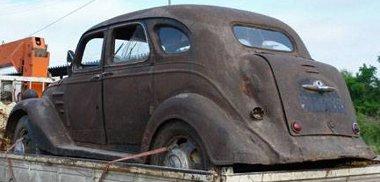 Vonaton, illetve teherautón szállították a Toyota AA-t Szibériából Hollandiába