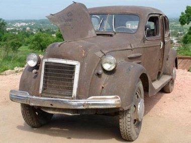 A Szovjetunióban az üzemeltetés évtizedei alatt alaposan átépítették az autót - például balkormányos lett -, egyelőre nem tudják, felújítsák-e vagy megőrizzék fellelési állapotában