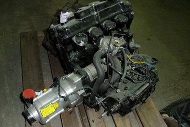 Honda Blackbird erőforrás hajtja az autót – alaposan megnövelt teljesítménnyel
