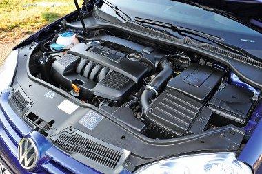 VW-gondok: gyújtótrafó, befecskendező rendszer és hengerfej