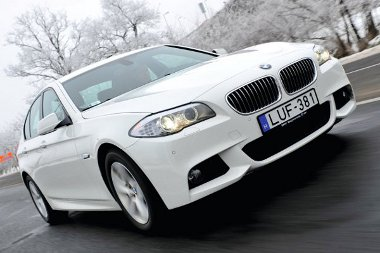 Az 5-ös BMW alapverziója a dinamikát illetően kellemes csalódást okoz, a fogyasztásról nem is beszélve