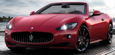 Győzelmi vörös színnel tűnik ki társai közül az új Maserati kabrió