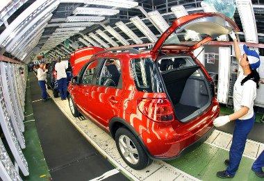 Oroszországba benzines, összkerékhajtású, Észak-Afrikába dízelmotoros, elsőkerekes SX4-et exportál a Magyar Suzuki Zrt.