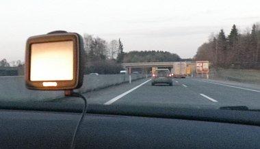 A lemenő nap fénye homályosítja el a navigációt - ezt a hazaúton, Ausztriában még jó jelnek gondoltuk