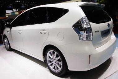 Ez lesz a legtakarékosabb hétüléses autó a Toyota ígérete szerint