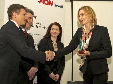 Szigeti Éva vette át a Legvonzóbb Vállalat elismerést Budapesti Corvinus Egyetemen megrendezett díjátadón