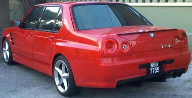 A C oszlop árulkodik arról, hogy egy ártatlan BMW 7-est áldoztak fel ennek az autónak az elkészítéséhez
