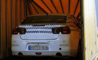 Sportos kinézetet ígér ez a fénykép, a hátsó lámpák - a beltérrel együtt - a Camaro stílusában készülnek