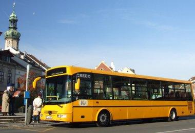 Új buszokkal, átépített megállókkal, jobb utastájékoztatással fejlődik a soproni közösségi közlekedés