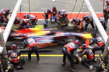 Két hetes késéssel, de Melbourne-ben kezdetét veszi a 2011-es versenyévad