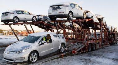 A megállapodásban szereplőnél töb pénzt kért az autók leszállításáért az Allied Systems, ami több mint 1700 új autót túszul is ejtett. A GM perrel válaszolt