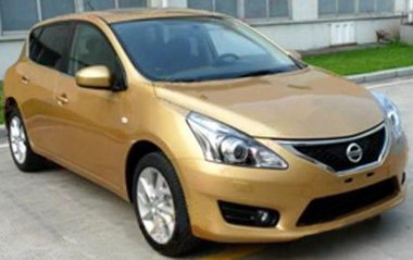 Divatosabb lett a Nissan Tiida megjelenése. Sanghajban mutatják majd be hivatalosan