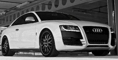 R8 elemekkel sikerült a többi Auditól megkülöböztethtővé tenni az A5-öst