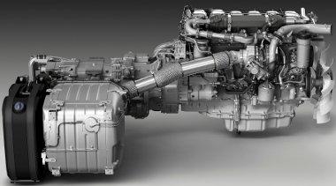 Ezen a képen látszik, hogy akkora a kipufogógáz-utánkezelő rendszer, mint maga a 13 literes lökettérfogatú dízelmotor