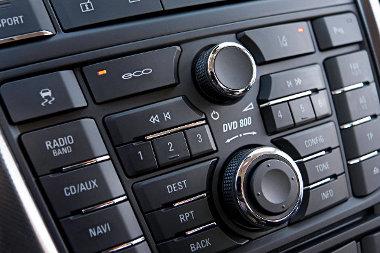 Az Eco gomb lenyomásával lehet kikapcsolni a motorleállítót
