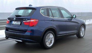 Nemcsak a kilométereket, hanem a benzint is falja a BMW