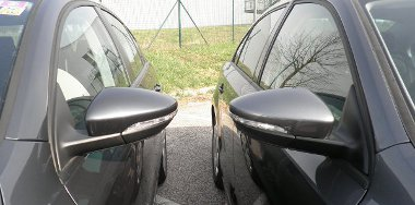 Egyformák a külső tükrök