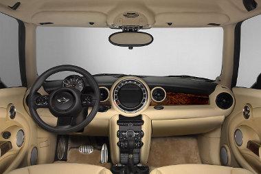 Rolls-Royce anyagokat használtak a belső térhez