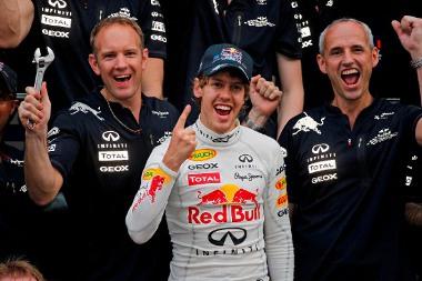 Vajon Vettel folytatni tudja nyerő szériáját?