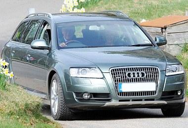 Hatvan százalékot elenged az Audi a brit királyi ház tagjainak; ezen felül még jótékonykodik és támogatja a brit polo csapatot
