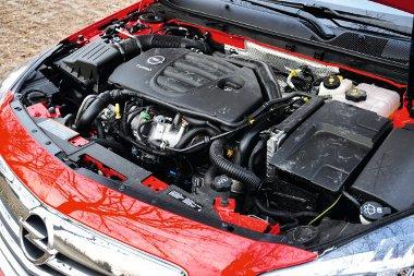 Sokan vitatják, hogy a motornak használ vagy árt az E85-ös