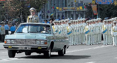 Anyagi gondok miatt leállt a Zil gyár - Putyin egyhamar nem kap orosz luxusautót