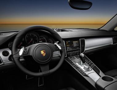 Nyolcfokozatú automatikus váltóval szerelik a csak hátókerékhajtású Panamera Diesel-t