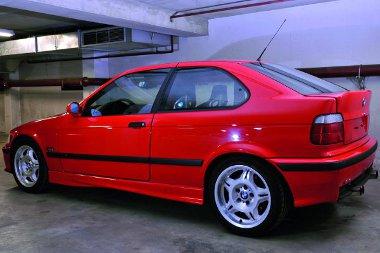 Tömzsi far, bámulatos erő: BMW Compact M