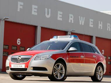 Összkerékhajtás, 260 lóerős V6-os turbómotor - villámgyors a rüsselsheimi gyári tűzoltóság új beavatkozó autója