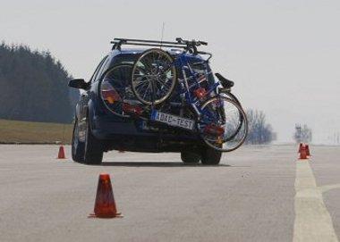 Mindkét rögzítési módszernél akadt gond a kerékpárok megtartásával