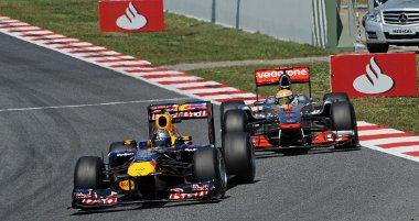 Alig pár nap kihagyással folytatja a kakaskodást Vettel és Hamilton