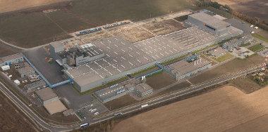 Megindult a magyar Hankook gyár bővítése, ezen kívül Jáva szigetén épít új abroncsgyárat a dél-koreai cég
