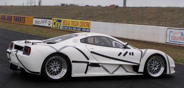 2004-ben készült az első prototípus, július elején a Joss JP1 sorozatgyártású változata mutatkozik be Melbourne-ben