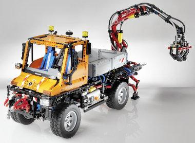 Nem gyerekjáték, hanem minden idők legbonyolultabb, 2048 darabos LEGO Technic készlete a születésnapi Unimog