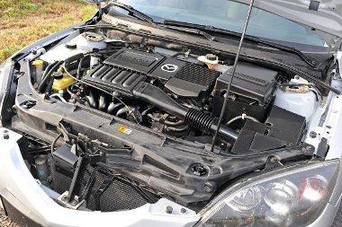 Mazda3 1.6: 105 LE, 145 Nm, 182 km/óra