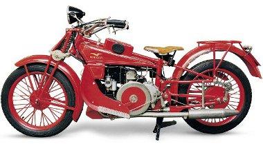 A G.T.-vel egészen az Északi-sarkkörig motorozott Giuseppe Guzzi