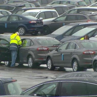 Még tart a kárfelmérés Genk-ben, az ügyfelekhez csak kijavított autók jutnak el