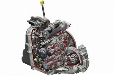 7G-DCT névre hallgat a  fokozatú, dupla kuplungos váltó