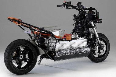 Az akkumulátor alumínium háza adja a BMW E-Scooter gerincét