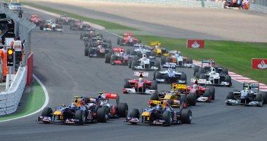 Idén átépített pályával várja a versenyzőket Silverstone