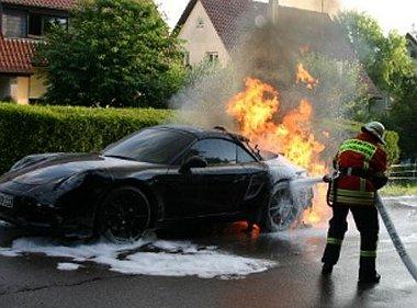 Még a Ferrari 458-nál is előbb kezdi az égést az új Porsche 911-es